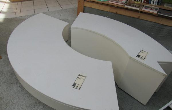 GRAND PODIUM (à droite sur l'image)