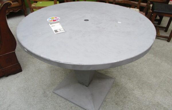 Table en fer ronde année 70