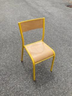 Chaises et bureaux de collectivités «type scolaire»